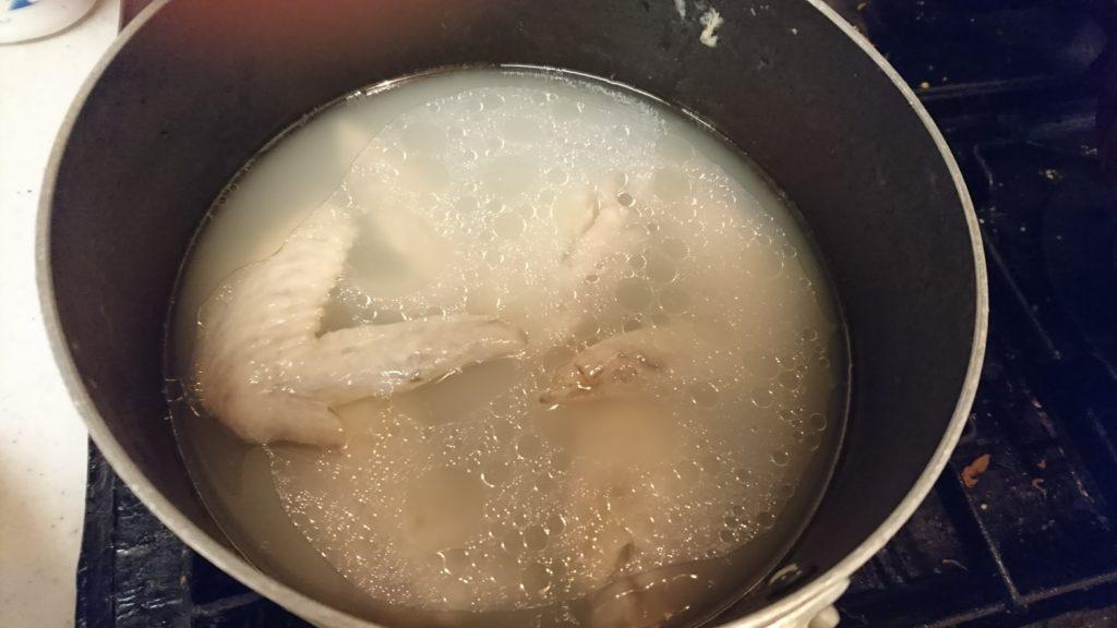 写真は毛羽先10本を水煮にしたもの。固形物が食べられない、水分をあまり飲んでいない病猫に飲ませます